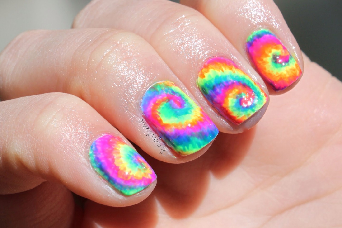 This is just stunning for summer and has a great festival vibe to it! Tie die is always a perfect look!