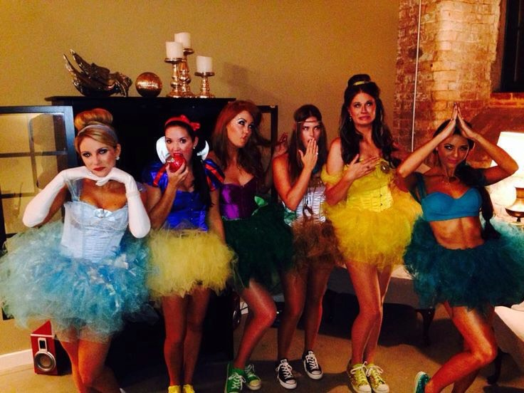 Cute idea for a group costumes of Disney princesses!💎