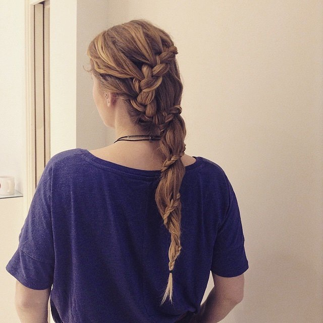 Carousel Braid A carousel plait is like a ponytail wrapped in a braid. We promise it's easier than it looks! The plait uses hair from a free-flowing pony to create a merry-go-round pattern.