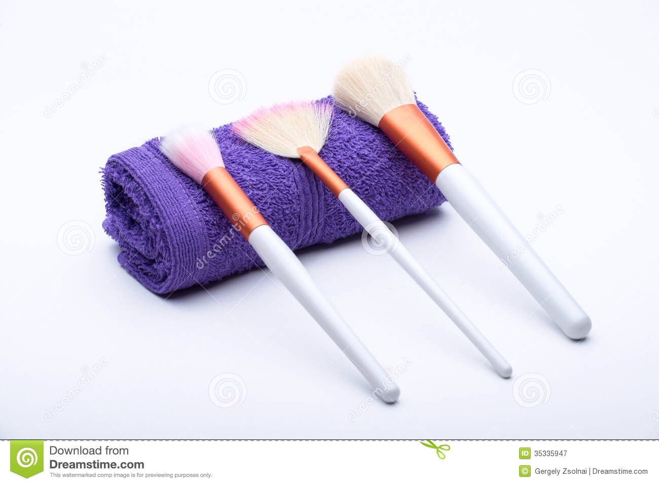 Step 4: Leave the brushes on a towel or cloth to dry.