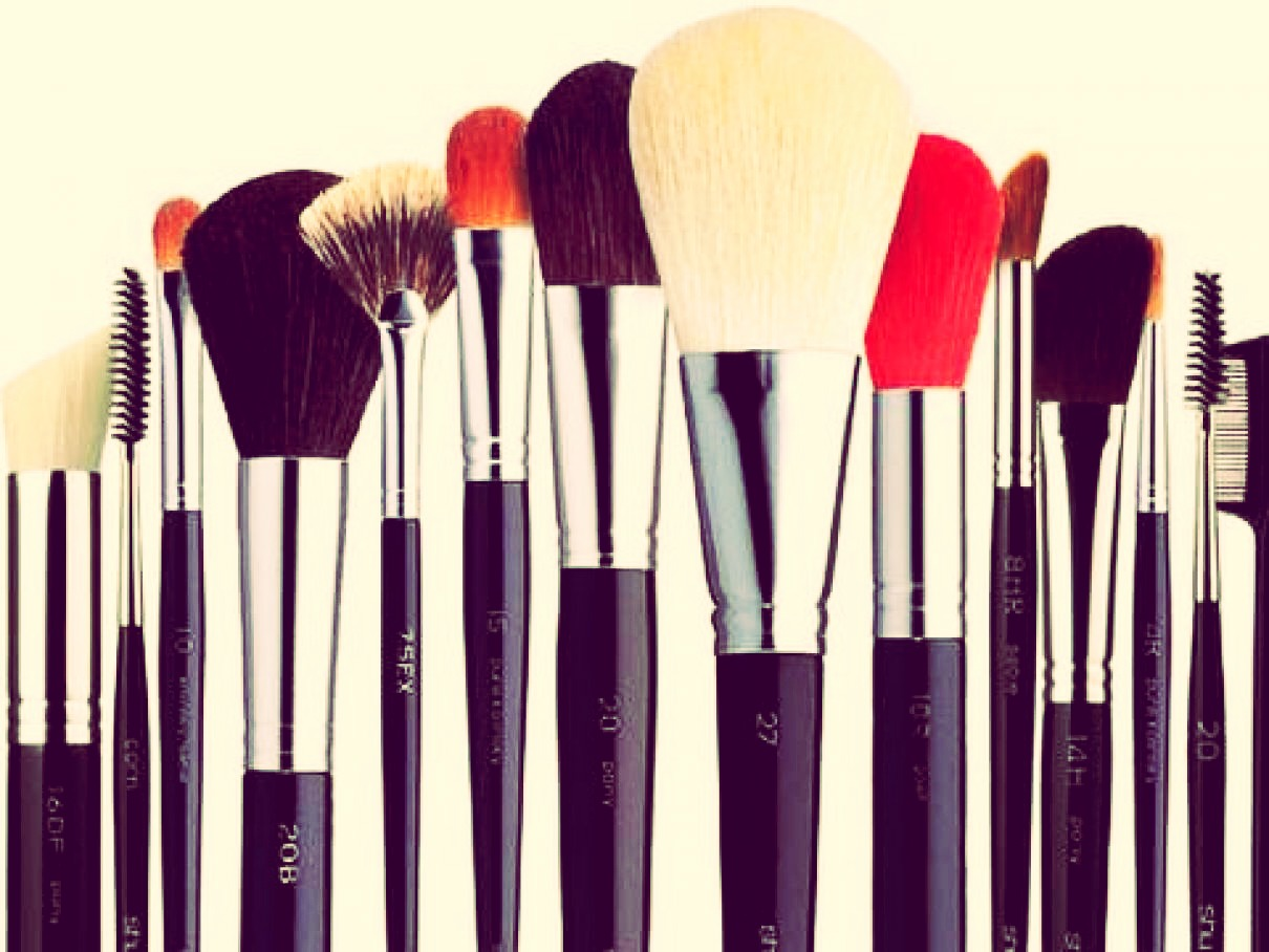 To clean you make up brushes you should place your make up brushes in a tub or some kind of container were the make brushes can be place down flat then pour boiling hot water over the brushes. The water level should be just above the brushes not to high and not to low that the brushes are not in the