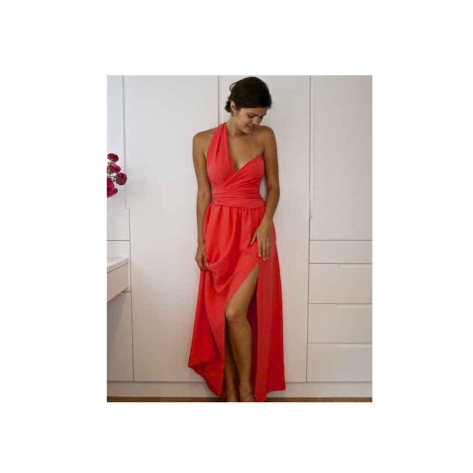 Elegant Day-to-Night Dress http://apairandasparediy.com/2011/04/diy-side-split-wrapped-bodice-dress-the-tutorial.html