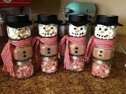 I literally see  this everywhere and I'm sure you have too, but this snowman hot chocolate stack. It's so cute, and so creative.
