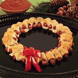 Mini sausage wraps wreath