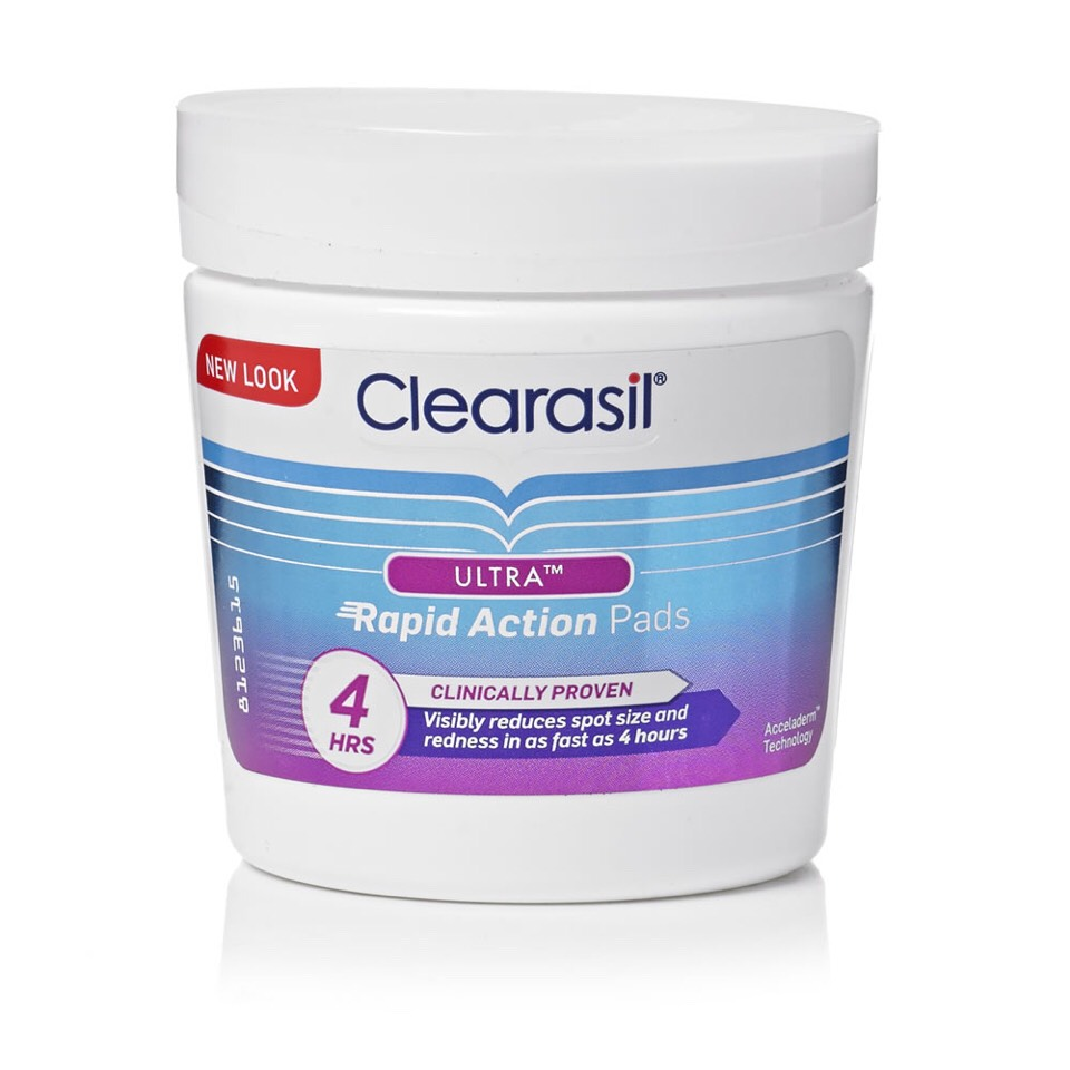 Next I use Clearasil's rapid action pads to soothe spots and red patches on my skin. Gently wipe over face and neck, focusing on spots and areas of redness. These pads work in under 4 hours, leaving your skin both cleaner and clearer.  Cost of product = £3.59 from Superdrug