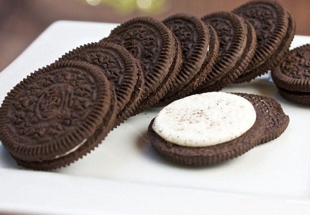 1. Remove the middle icing of about 15-20 Oreos. Then place them in a bowl.