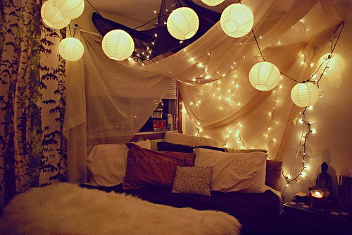How To Hang Christmas Lights In Your Room.Cute Idea Put Christmas Lights In Your Room To Make It All