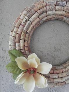 --> DIY Wine Cork Wreath.