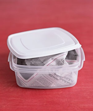 Use newspaper instead of foil or cling wrap to pack sandwiches