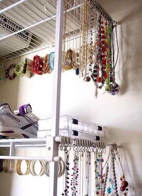 Use Riktig curtain hooks to keep your jewelry neat! You have better things to do with your life than untangle necklaces!