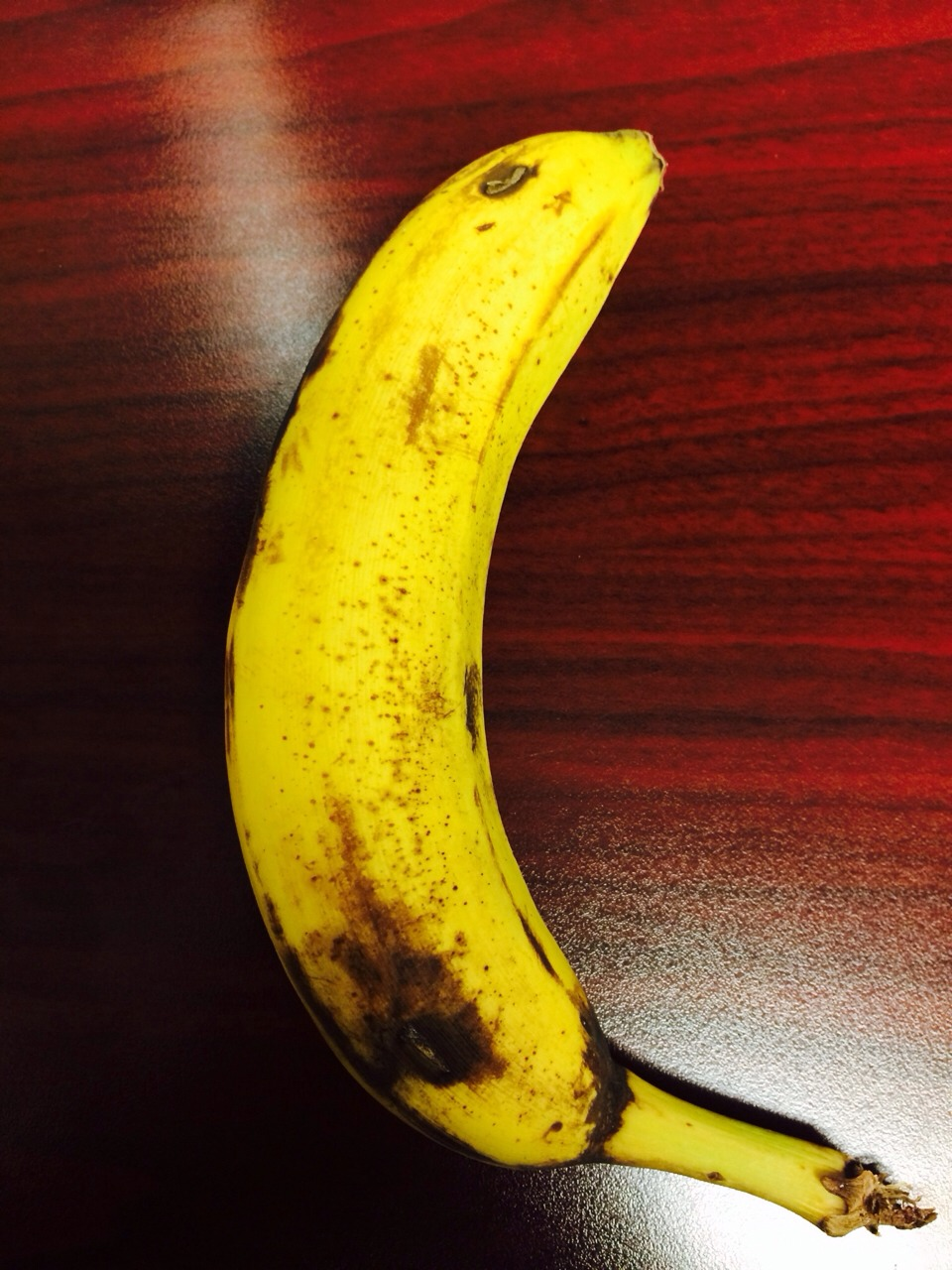 Peeling from bottom = no broken bananas.