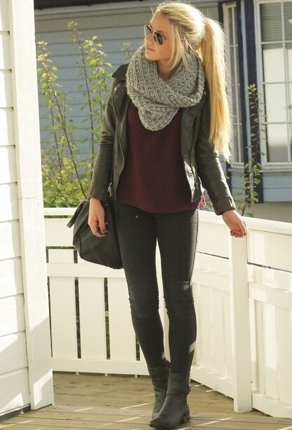 -simple shirt -Black jeans -Paired with some boots