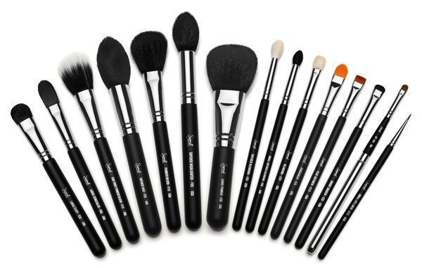 CLEANSE YOUR MAKEUP BRUSHES Yes, you can revive your dirty makeup brushes with a simple mix of soap and water. But as an extra disinfecting step, you can dip your tools in a solution of water and vinegar
