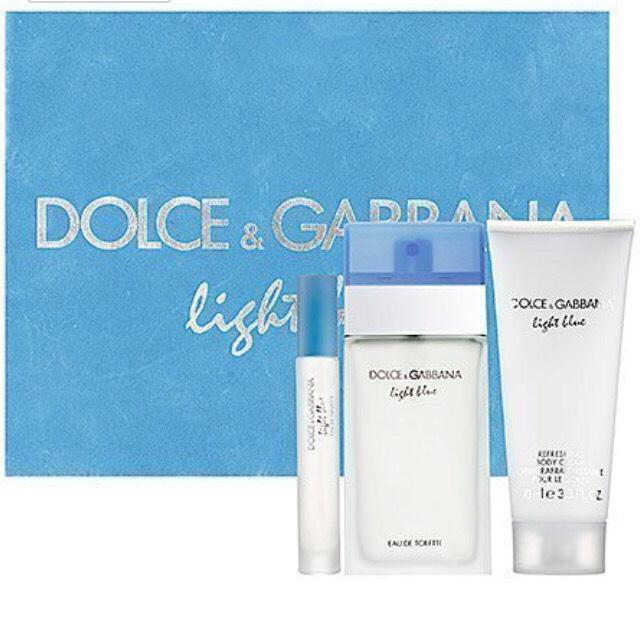 • Dolce and Gabbana Light Blue Deluxe Eau de Toilette Spray Gift Set