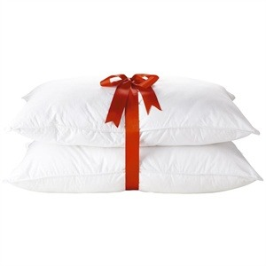 Use 2 pillows to get rid of facial puffiness