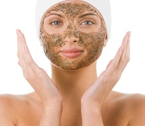 Best way to have smooth, clear skin is using a coffee grounds scrub. Also gives you an awake feeling😳