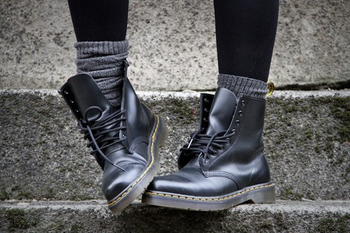 This poses a problem when it comes to wearing boots — not only does it make it hard to zip them up, but I'm sometimes left with bunched up fabric that is uncomfortable and unflattering.If you have a similar problem, here is a nice little trick to tucking those non-skinny jeans into your boot