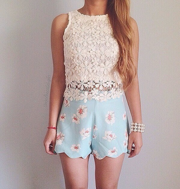 This is a casual clothes that can be anywhere to go in summer