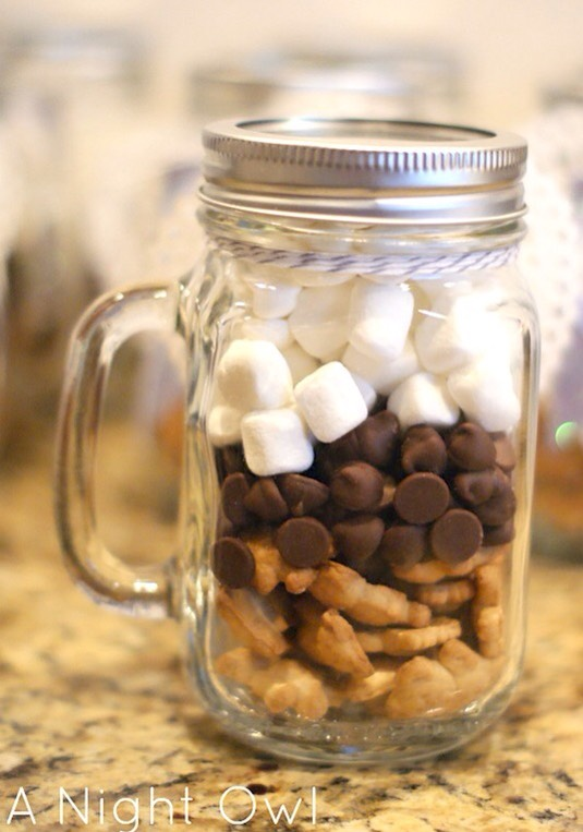 "28. DIY S'mores Kit This is a super easy last-minute gift, and just about everyone loves s'mores, right? I like how this was put together with Teddy Grahams; makes it even cuter. Make a custom tag that says something like ""Happy Birthday and many s'more!""."