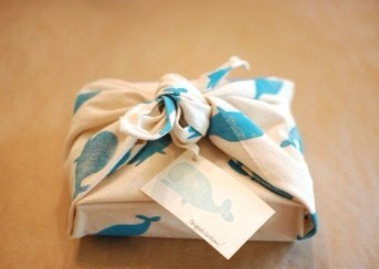 16.Go the fastest route: Buyaffordable peel-and-stickthat coordinate with your wrapping paper of choice.