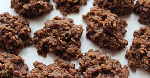 http://12tomatoes.com/2015/04/healthy-sugarfree-cookies-nobake-chocolate-oat-cookies.html