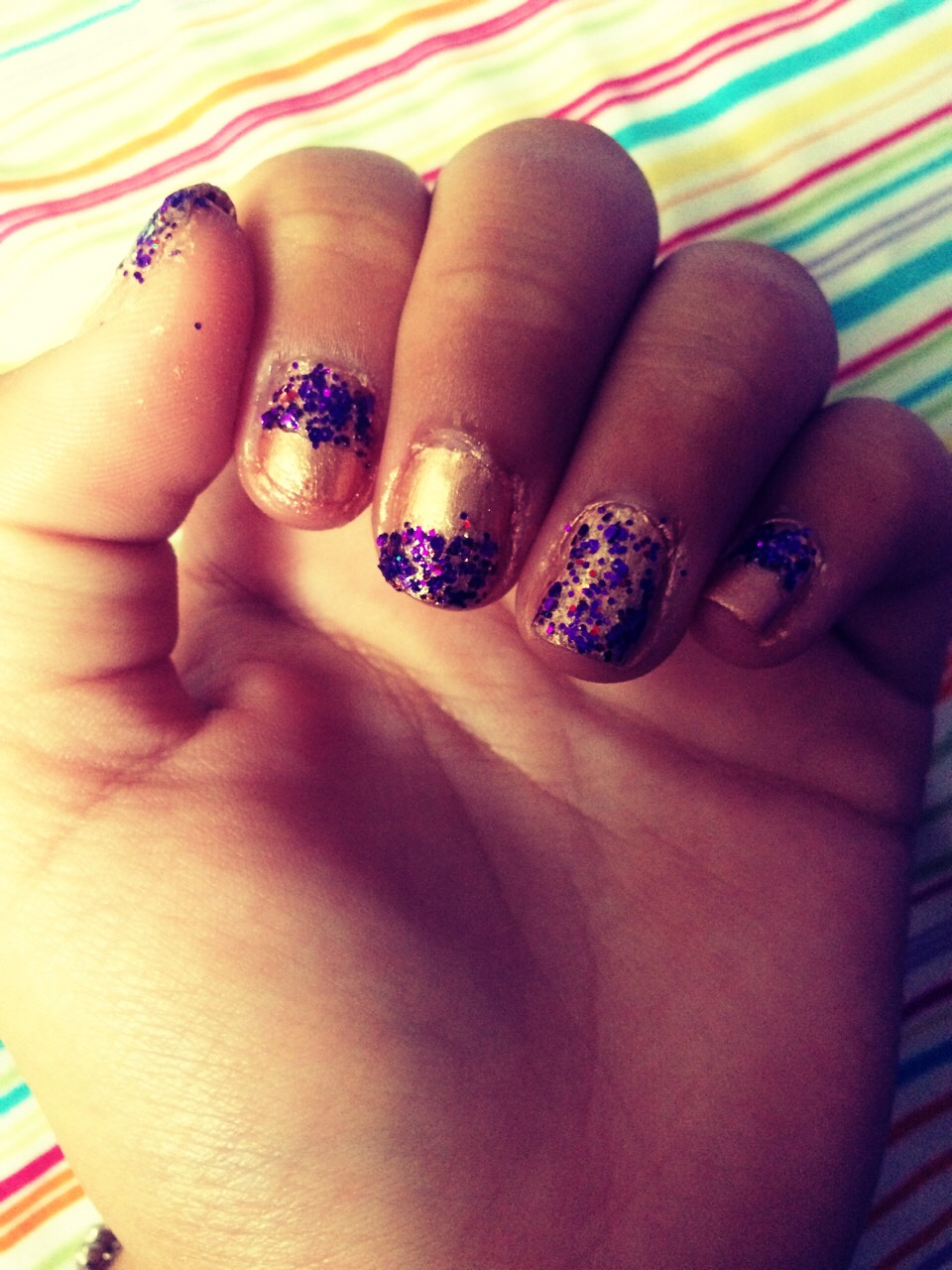 Do that to the rest of your nails, add a clear topcoat and you're done!