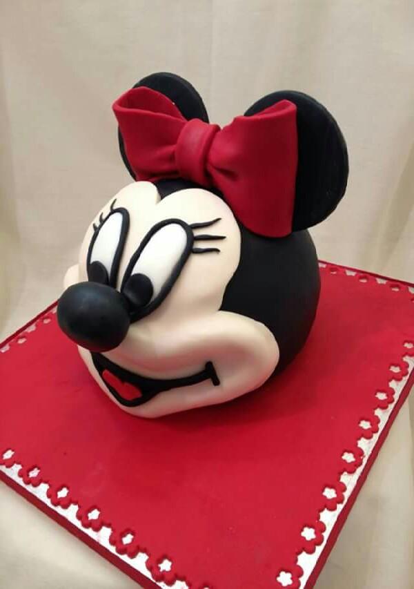 Minni mouse.