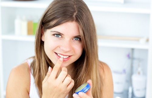 Put Vaseline on your teeth before you put lipstick on to prevent smudges on your teeth