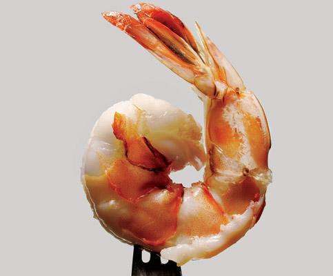 rinse 2 pounds of extra-large raw shrimp in cold water and drain. Add them to the pot and stir. Cover and cook for 5 mins max. Quickly remove the shrimp using a large slotted spoon. Serve immediately with cocktail sauce and more beer. This same recipe makes great lobster,  but cook it for 12-15 min.