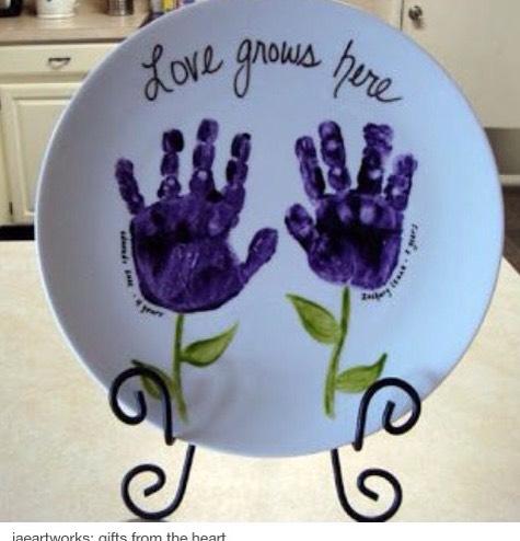 Hands - plate - paint 😋