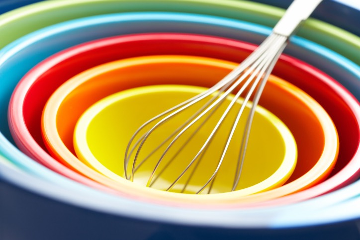 4 Mix your soap. Thoroughly mix all ingredients using a whisk or other stirring tool.