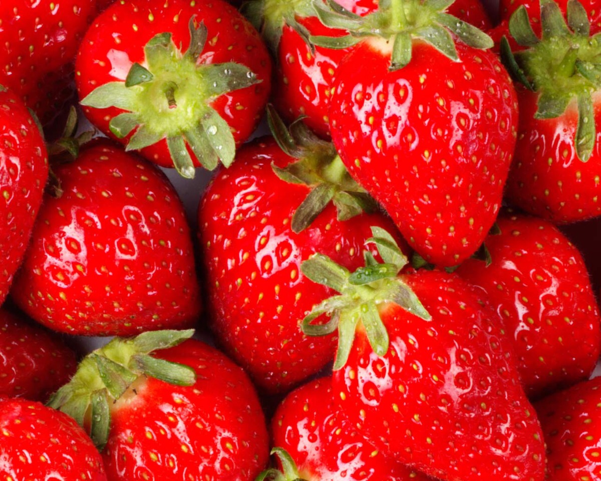 add 6 strawberries