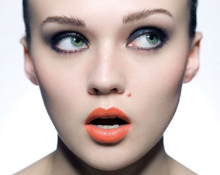 GO FOR COLOR...   Since we know neutral lip colors are out, what are some beauty tips for pale skin? Women with pale skin look best in bright lipstick. Try reds or corals.