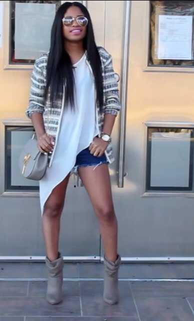 this is a cute formal look that can be dressed up or down as you can wear jeans or shorts