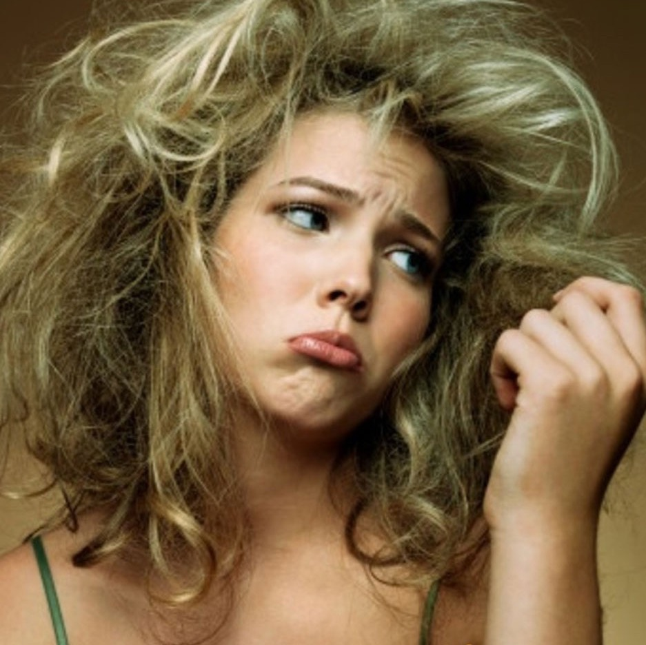 4. Cold showers reduce frizzy hair!!
