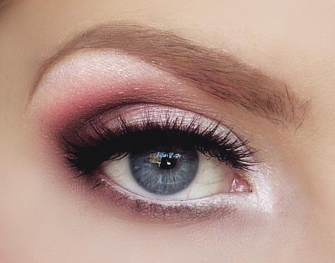 Another simple option is a lovely quartz smokey eye paired with a nude lip.