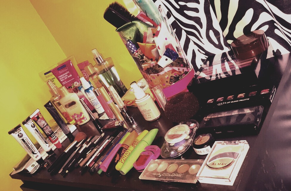 You can arrange all your beauty products on the top of your dresser for easy access.