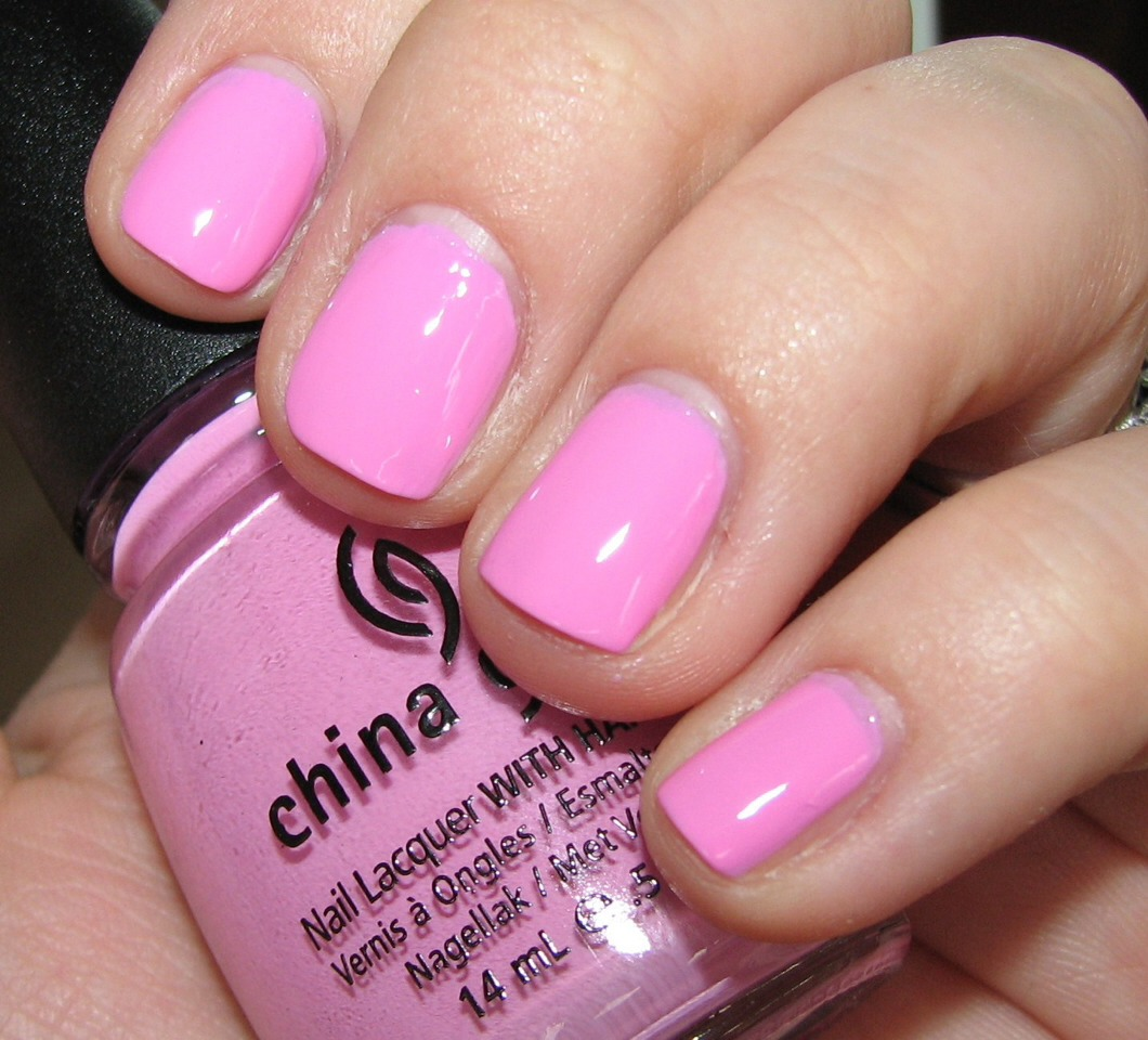 A gorgeous bright barbie pink nailpolish will make you feel girly and sweet all summer long!