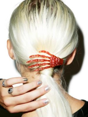 Skeleton Bone Hands Hair Slides Don't leave your hair out of the spookiness! Rock these skeleton bone hair slides to add a little somethin' somethin' to your hairstyle. They come in a bunch of different colors, so check 'em out at the link below! Buy it at Dolls Kill for $17