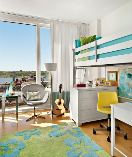 Coastal Inspired A bunk bed is a great way to maximize space in a child's room. Keep the room feeling cheery with a color palette that is fresh and modern, like lime green and aqua blue.