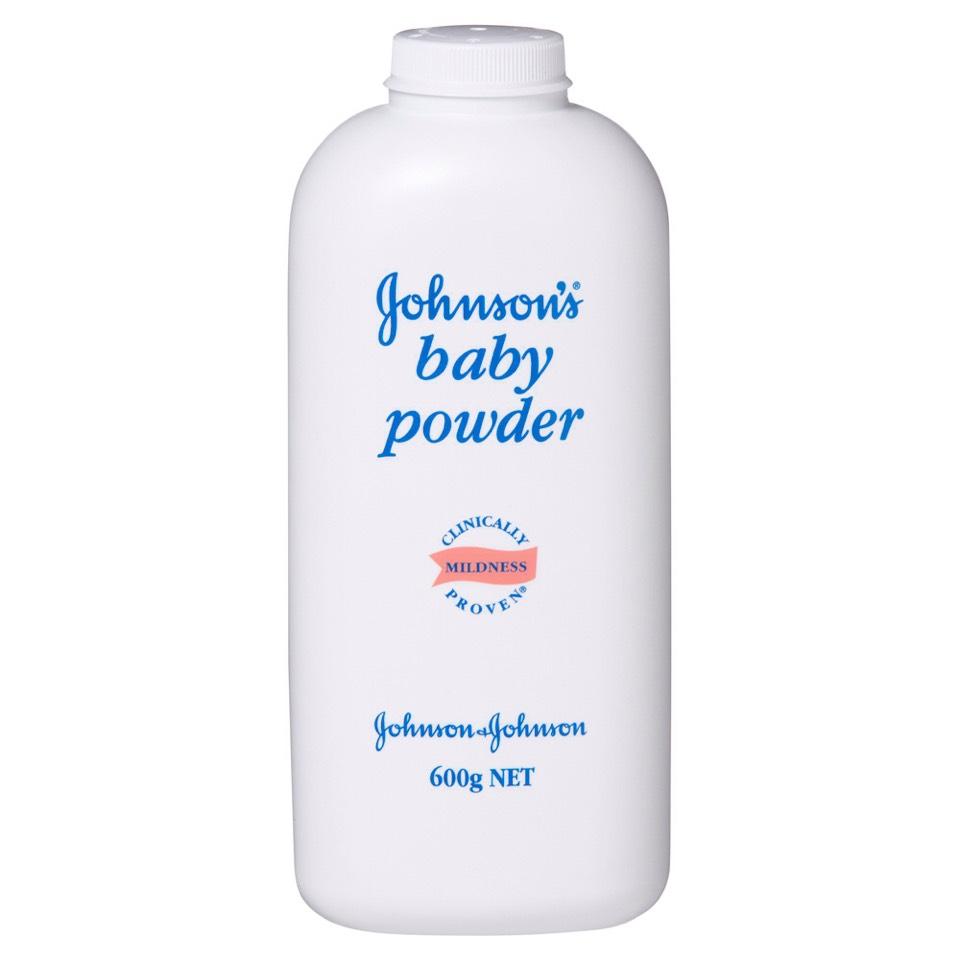 Next, rub a legit amount of baby powder on your design.