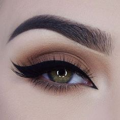 You don't need to be a professional to do winged eyeliner...