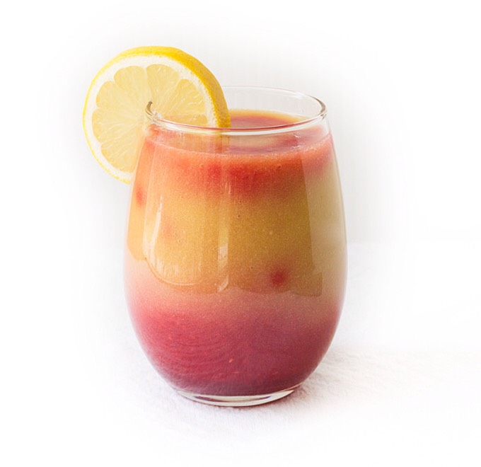 SUNRISE DETOX SMOOTHIE Want to wake up and feel your best? Start your morning off on the right foot with this delicious smoothie that will help prime your body for a fabulous day!