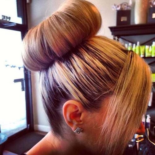 The classy trendy bun look