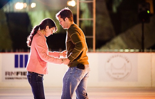 2⃣Go ice skating while it's still winter! You'll both love the feeling of trying something new!❄️⛄️