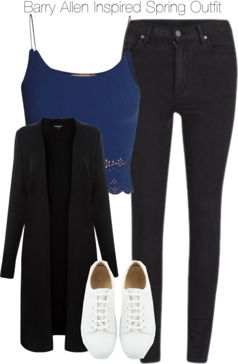 This has to be one of my favourite outfits jeans and a crop top with a jacket/cardigan just in case it gets cold 🙈