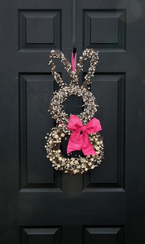 Isn't this little guy cute you can make this out of 2 different size circle wreaths and a heart shaped wreath for the ears