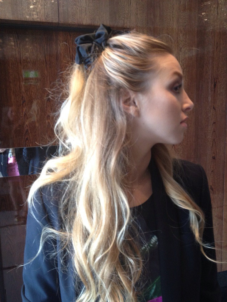 Simple enough girls. Just grab a bobble or scrunchie!  Perfect for any occasion 👍😊
