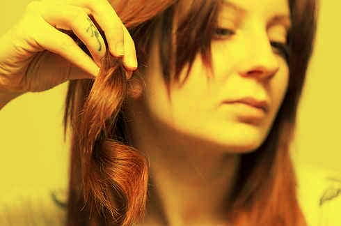 21. Two birds one stone: dry your hair and style it at the same time with a HOT AIR BRUSH.