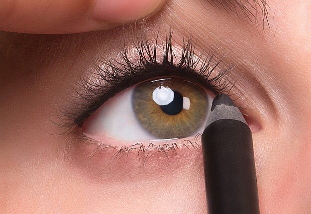 Always dreamed of thicker, fuller lashes? Tightlining not only makes thicker lashes possible, this handy technique makes bigger, brighter eyes a reality. Here's how to do it.